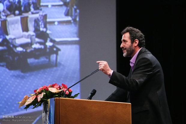 گفتگو راهحل عقلانی است/ فرزانگی بنیان حکمت ایرانی است